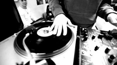 ZÜLLE & PREST DJs